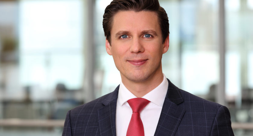 Dr. Christopher Yvo Oertel